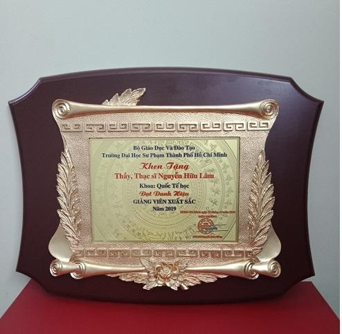 Bảng vinh danh đồng gỗ - quà tặng tri ân ý nghĩa