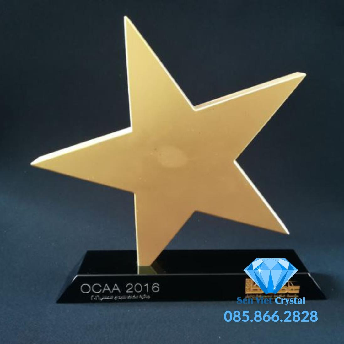 Kỷ niệm chương pha lê ngôi sao vàng M03
