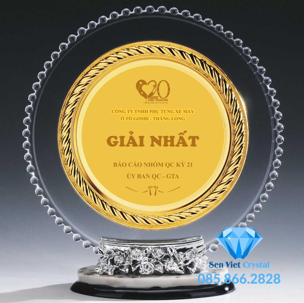 Kỷ niệm chương pha lê dạng đĩa M48 giá rẻ đẹp nhất