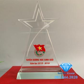 Kỷ niệm chương pha lê ngôi sao ba cánh M49