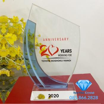 Kỷ niệm chương pha lê M50