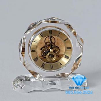 Đồng hồ pha lê M16