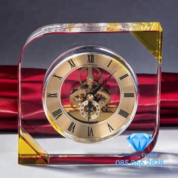 Đồng hồ pha lê M17