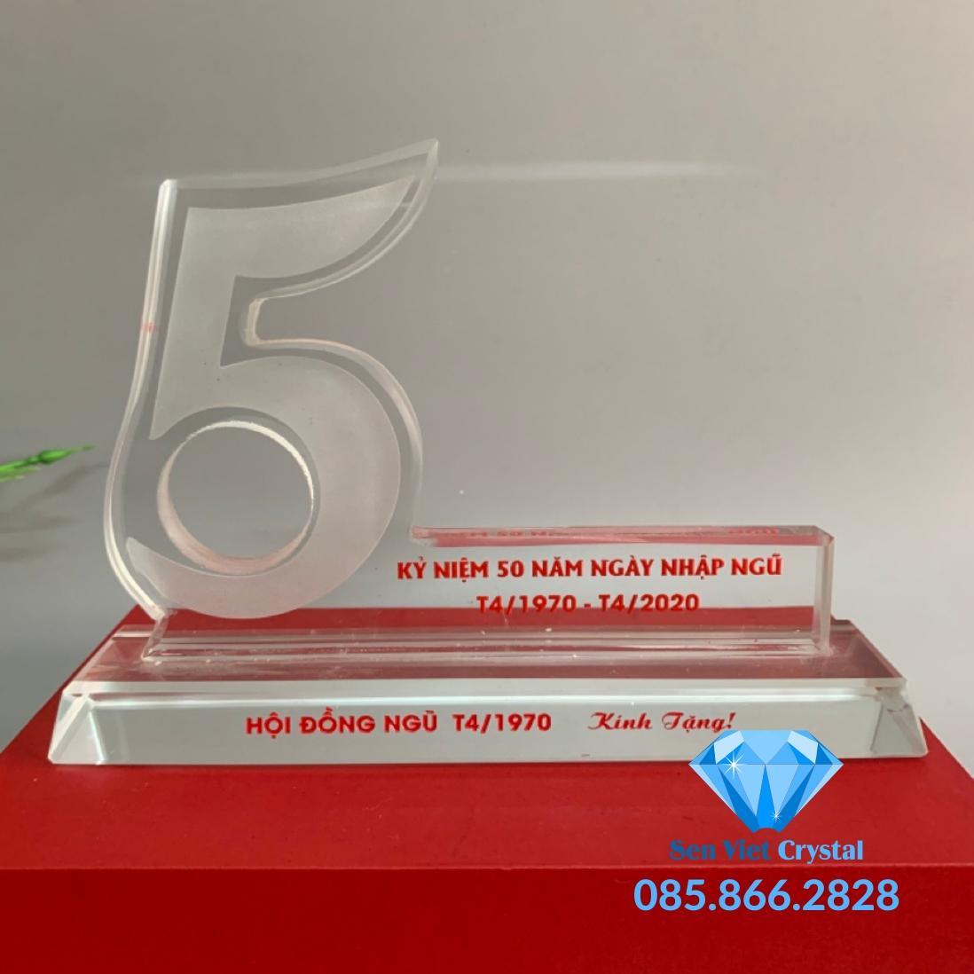 Bộ số kỷ niệm pha lê 5 năm M1