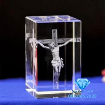 Khối pha lê 3D khắc chúa Jesus